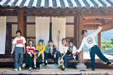 防彈少年團(BTS)正在休假,9日卻傳出他們有意一起入伍當兵。因為成員Jin明年前準備報效國家,「東亞體育」報導,如果7名成員輪流入伍,防彈少年團在演藝圈的空白期將會拉長。相關人士表示,成員們也造討...
