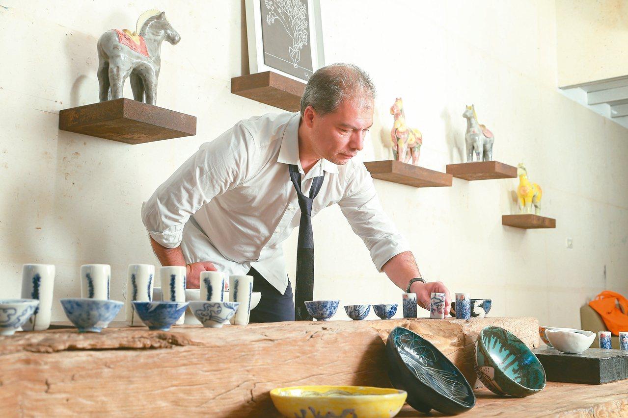 雷明思是位英籍智利裔的視覺人類學家暨藝術家。 圖/陳立凱攝影