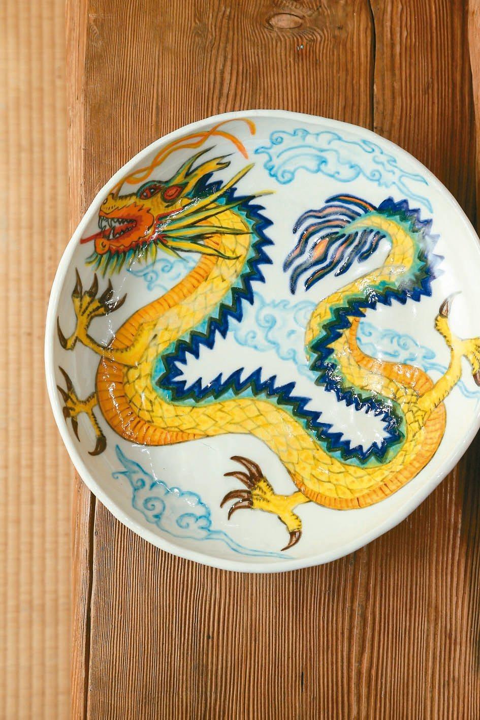 雷明思做他自己解讀的龍,而非直接移植東方文化幾千年的龍。 圖/陳立凱攝影