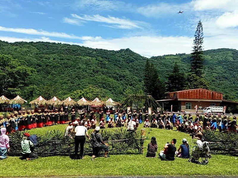 高雄那瑪夏是原住民區,主要族群為布農族與卡那卡那富族,圖為布農族射耳祭活動。 記者徐白櫻/翻攝