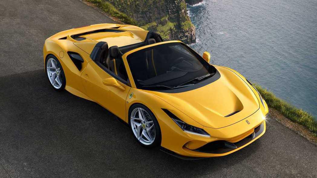 上空躍馬第一彈ferrari F8 Spider 輕量化v8敞篷超跑 車壇新