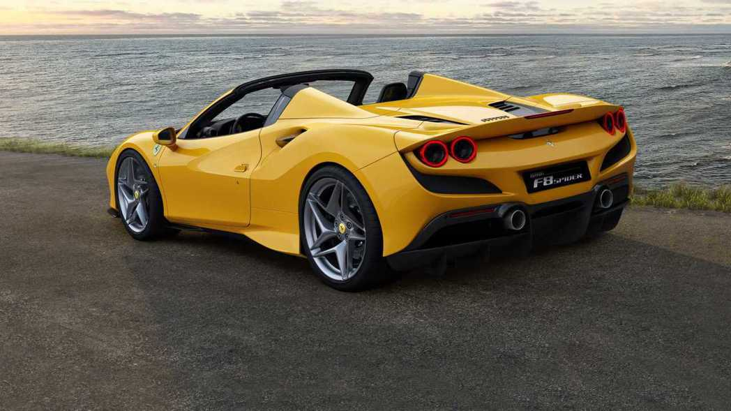 Ferrari F8 Spider。 摘自Ferrari