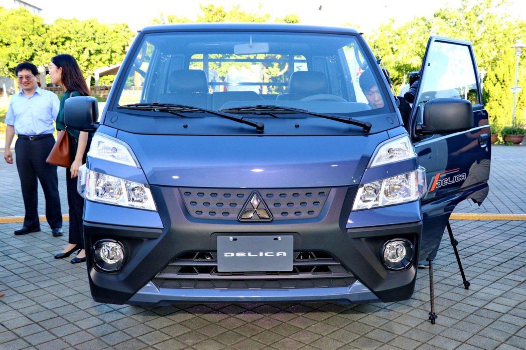新世代得利卡擁有全新設計的車頭外觀,外型更具氣勢。 記者陳威任/攝影