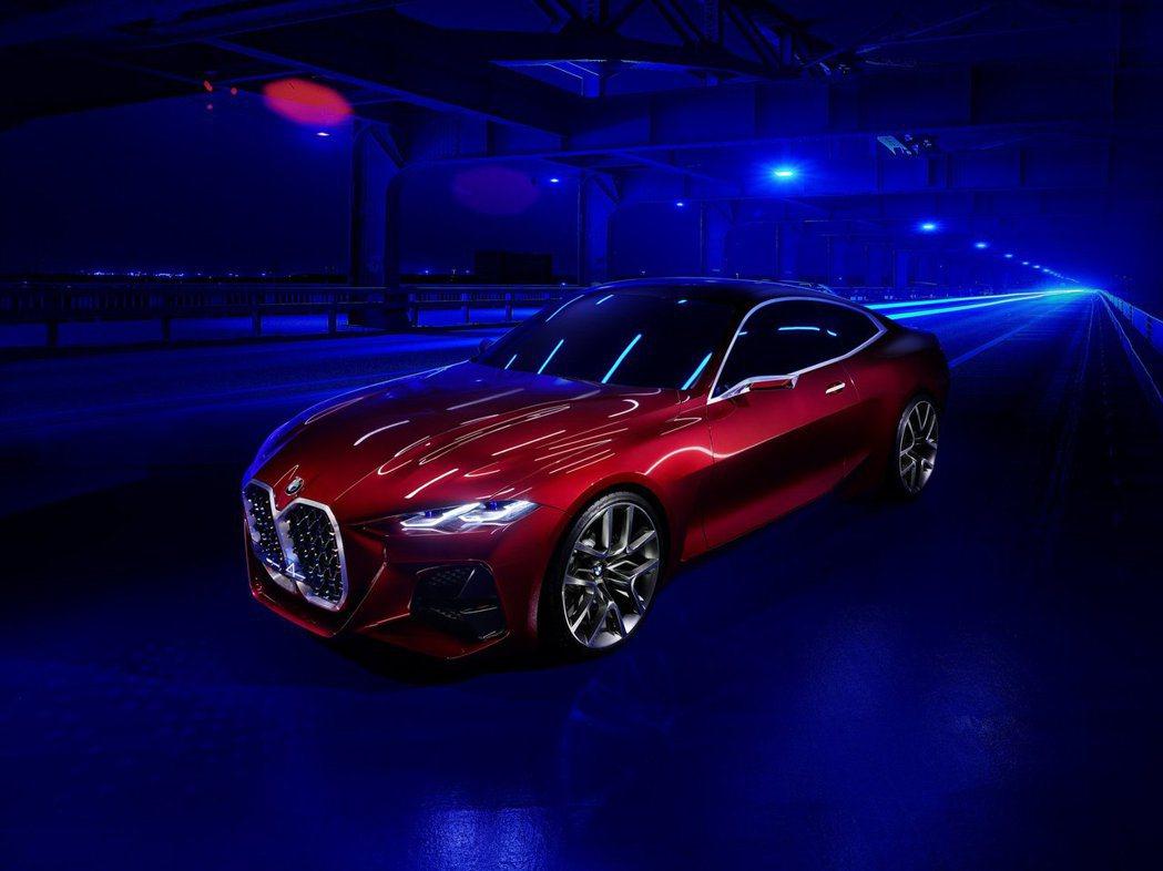 BMW Concept 4配置了大型的雙腎形水箱護罩。 摘自BMW