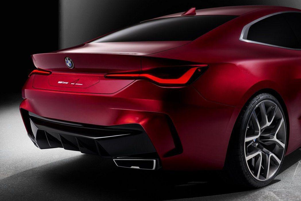 BMW Concept 4車尾相當激進化,尾燈造型類似現行版8 Series。 ...