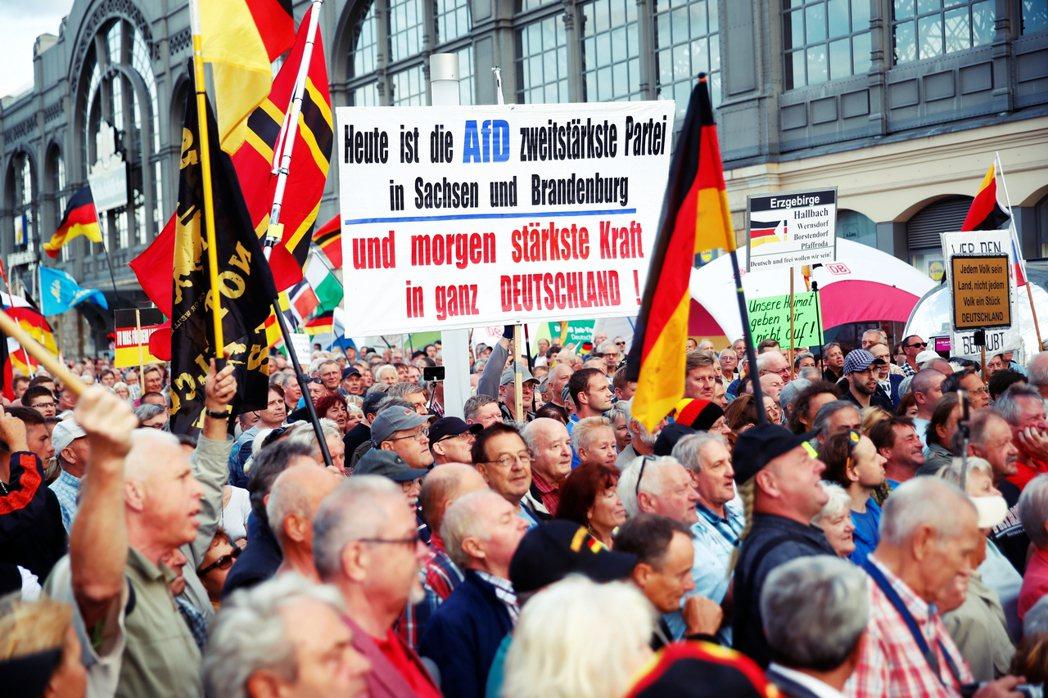 「AfD今天是薩克森邦、布蘭登堡邦的第二大黨,明天就是全德最強勢力!」在這片經濟...
