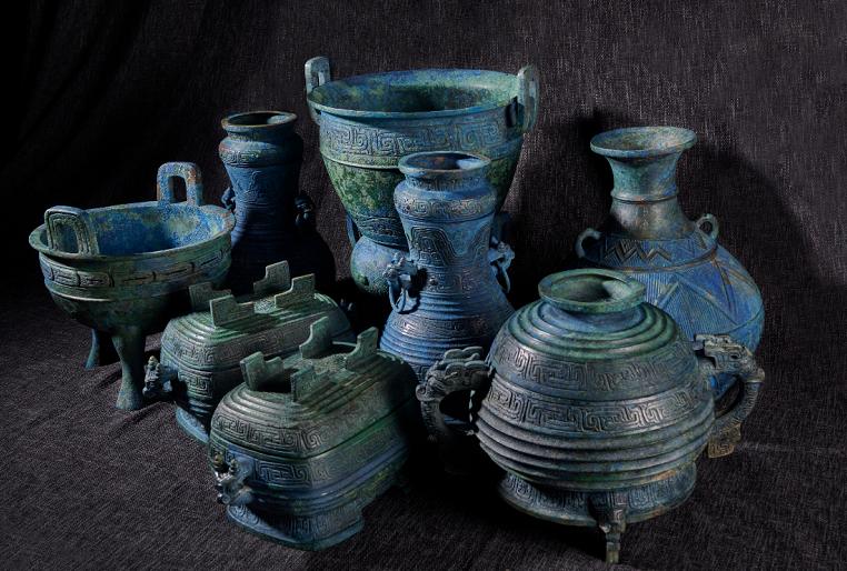 大陸10日正式公布成功自日本索回的流失國寶「曾伯克父」青銅組器。(取自央視新聞)