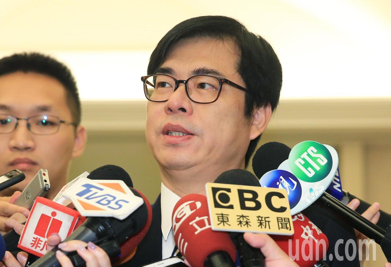 行政院副院長陳其邁今天說,若郭台銘回歸本業後能加碼投資台灣,也是好事一件。記者陳...