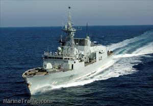 舷號341的加拿大海軍「渥太華」號護衛艦,上午從北往南穿越台灣海峽,由於艦艇一度...