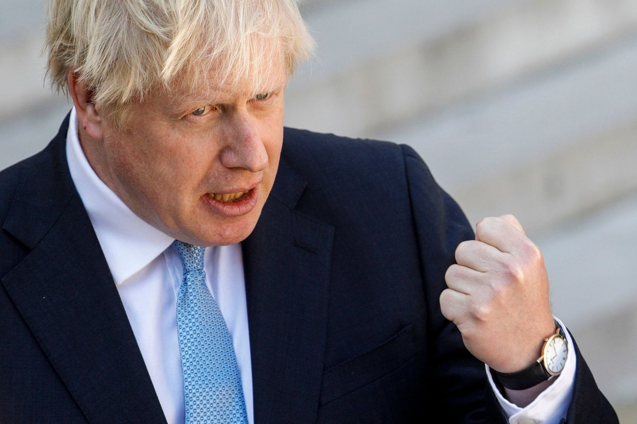 英國首相強生在國會接連吞敗,處境艱困。法新社