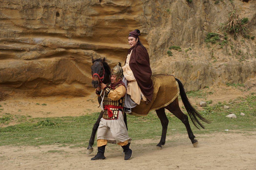 楊麗花拍戲意外墜馬。圖/麗生百合提供