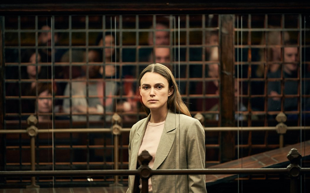綺拉奈特莉在新片「瞞天機密」扮演出身台灣的英國女生。圖/采昌提供