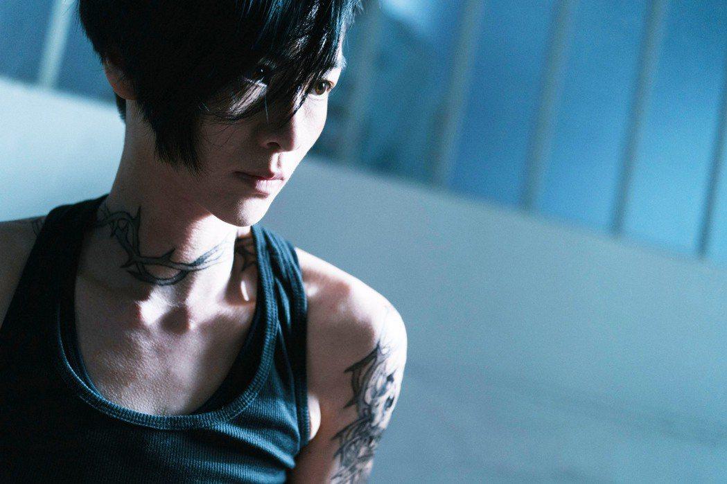 陽靚以一頭帥氣短髮詮釋女同志。圖/金禾創意、三映電影提供