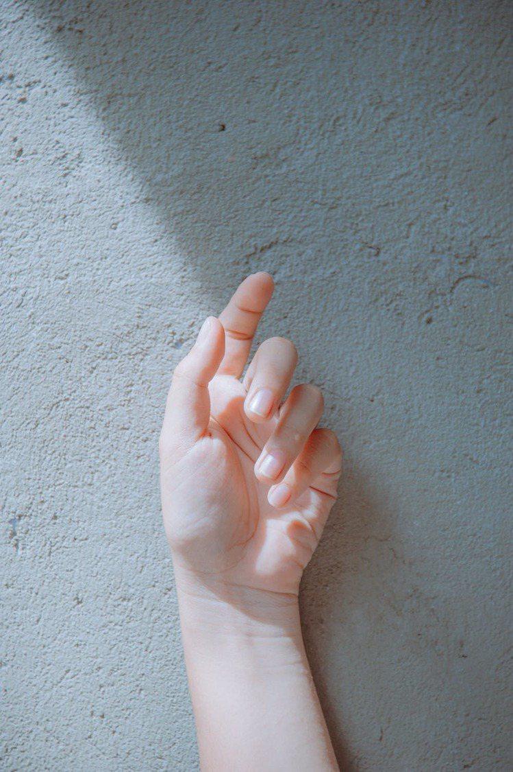 經常洗手的人,就要時常補擦。圖/摘自 pexels