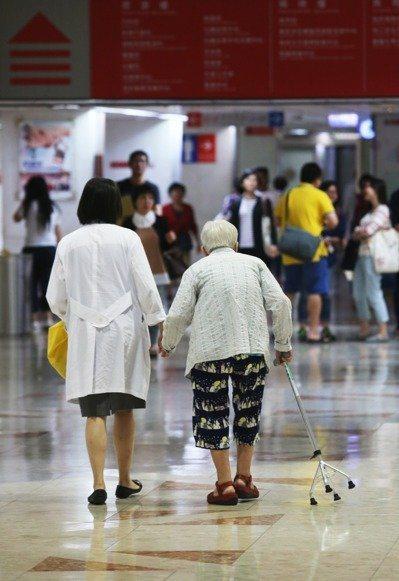 男、女性平均壽命都以台北市最高,呈現自北而南遞減情形。 圖/聯合報系資料照片