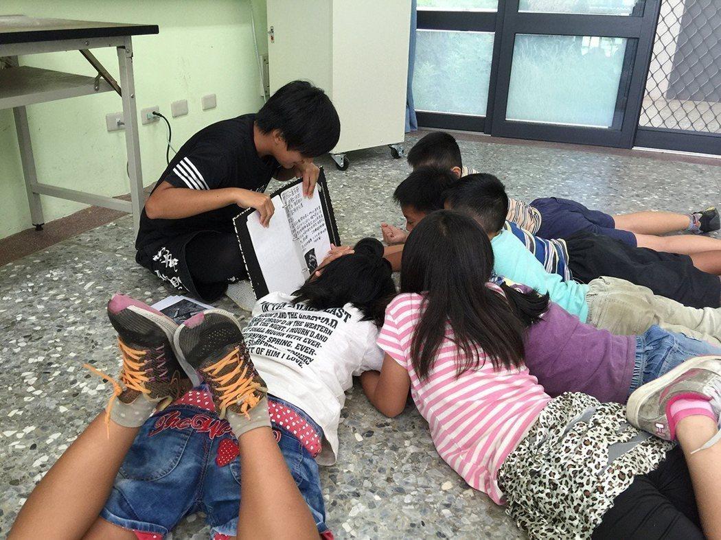 輕鬆且有彈性的閱讀環境,更容易培養孩子學習的興趣 圖/博幼基金會 提供