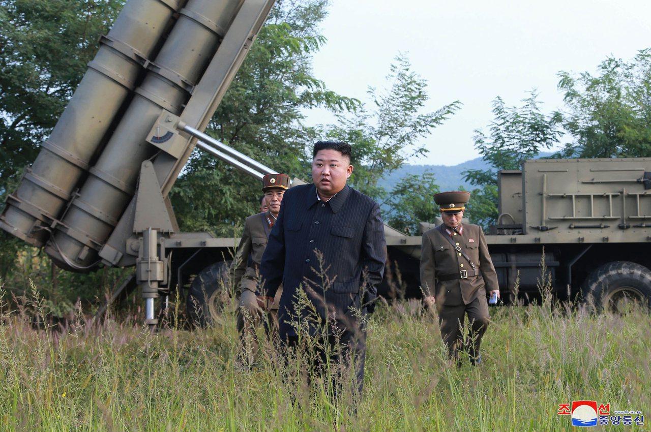 北韓副外長崔善姬9日發表談話,向美國提議9月下旬舉行磋商,隨後美國總統川普積極回...
