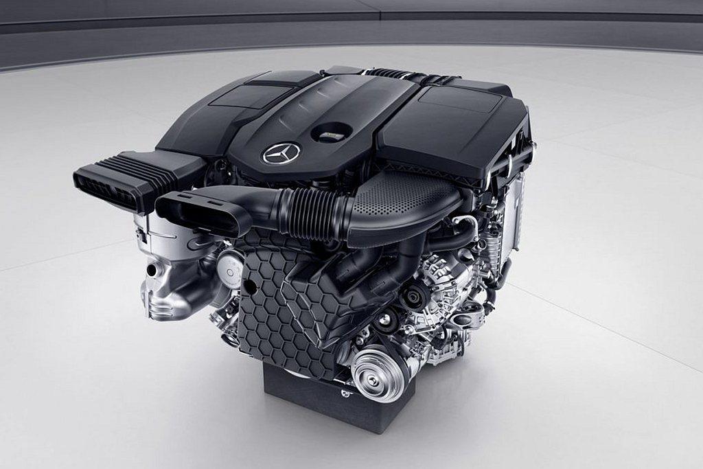 小改款賓士GLC柴油動力換上新世代渦輪柴油引擎,雖然排氣量從2,143c.c.調...