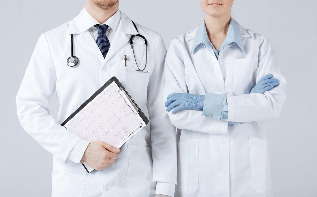 醫護人員的養成教育裡有設下封印,「不傷害病人」為我們處事的第一原則。圖/ingi...