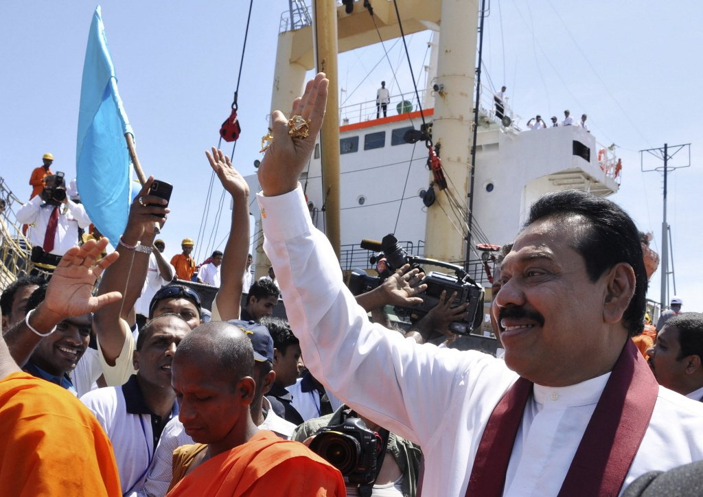 前斯里蘭卡總統拉賈帕克薩。其在任期間,曾向中共一帶一路專案貸款數十億美元,包括漢...