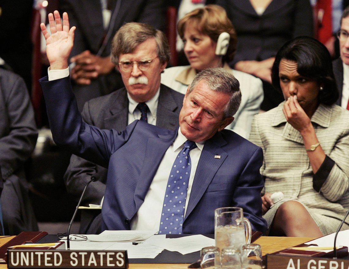波頓為人所知的「好戰形象」,始自於2001年911事件之後,當時擔任美國國務次卿...