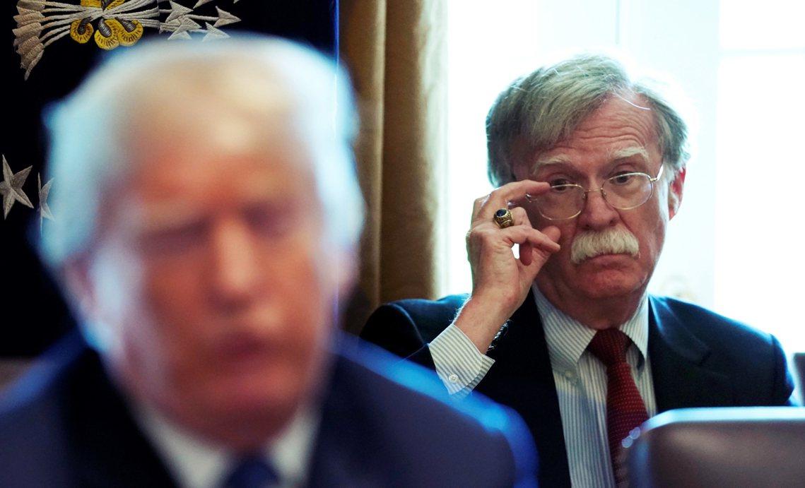 外界大多認為國安顧問的接任人選,會是龐佩奧手下的國務院人馬;而川普也將更為仰賴龐...