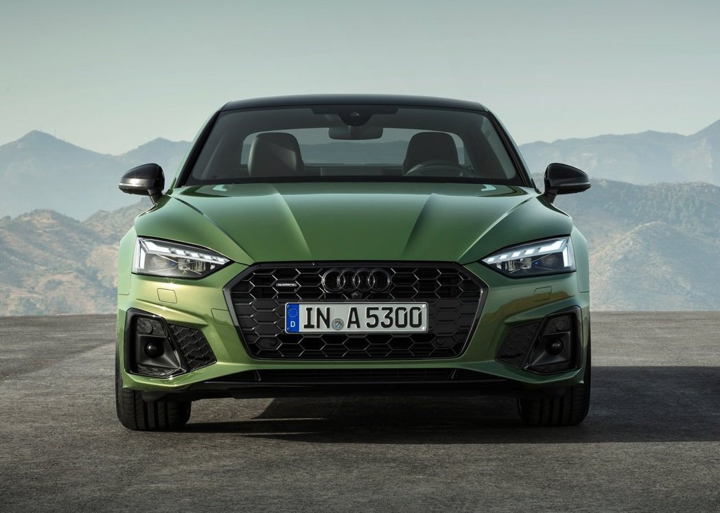 2020 Audi A5 全車系標配LED頭燈。 摘自Audi