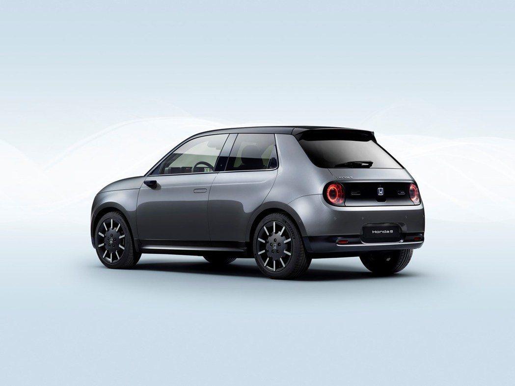 Honda e最快將於2020年夏季開始交車。 摘自Honda