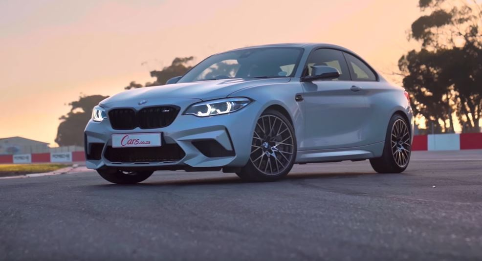 BMW M2 Competition。 截圖自Cars.co.za影片