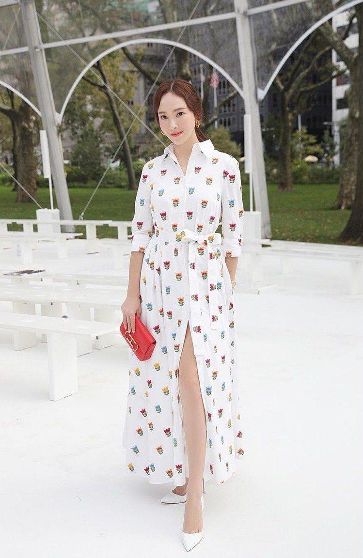 2020春夏時裝周自第一站紐約開跑,時尚名人們紛紛出動,飛到紐約看秀。韓國的時尚...