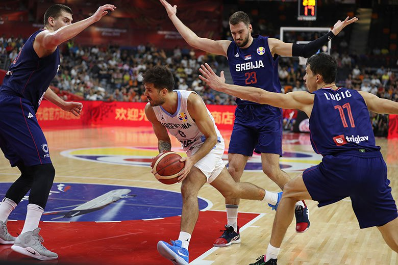 塞爾維亞在8強賽以87:97慘敗給阿根廷,無緣晉級四強。 美聯社