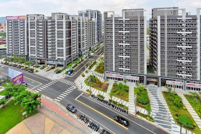 「林板新特區」12000坪社區造鎮,有大棟距、大街廓、大綠帶,食住行育樂完善到位...