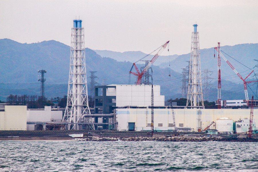 福島電廠處理後的污染水問題仍待解決。(Photo by IAEA Imageba...