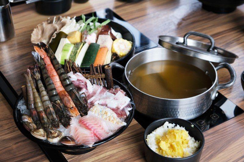 ▲分量超大的「夏日海鮮套餐」只要399