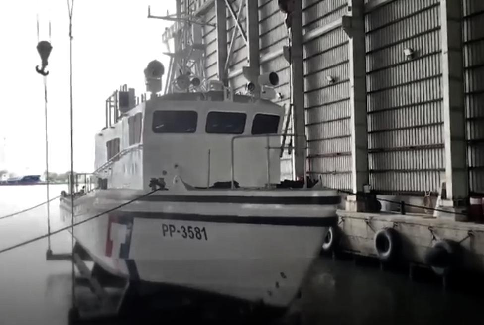 海巡首艘新一代「白金剛」35噸高速巡防艦防艇,10日舉行「擲瓶禮」儀式。圖/擷取...