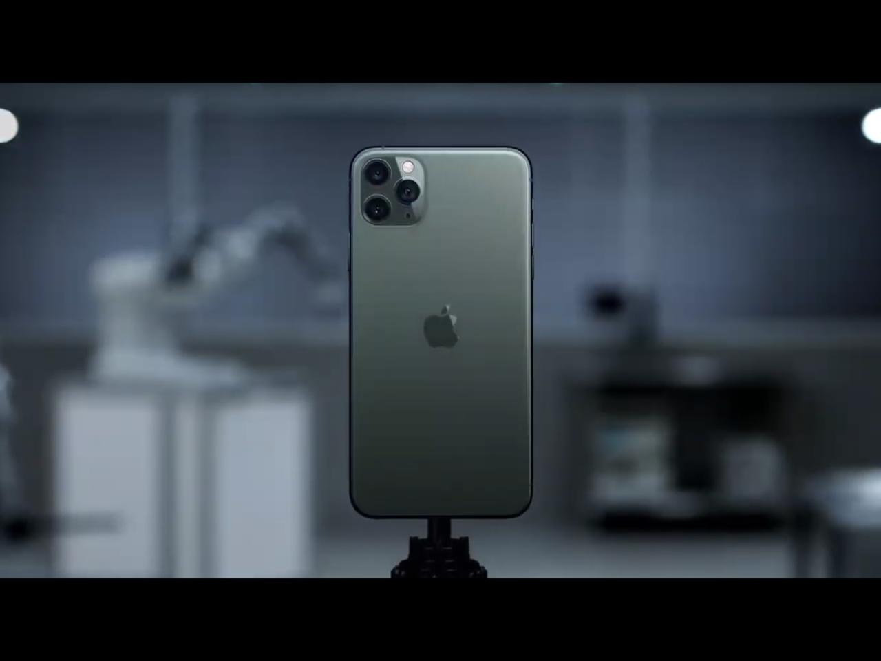 iPhone 11 Pro系列推出的全新夜幕綠新色非常生火。圖/發表會截圖