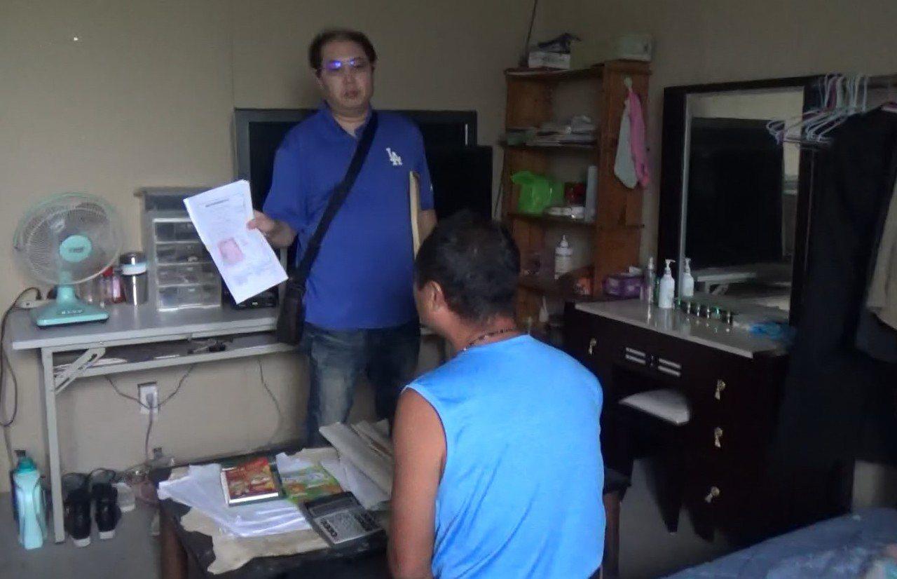 阮女田姓小王經營的鐵工廠還查獲2名越南籍失聯移工非法打工。記者謝進盛/翻攝