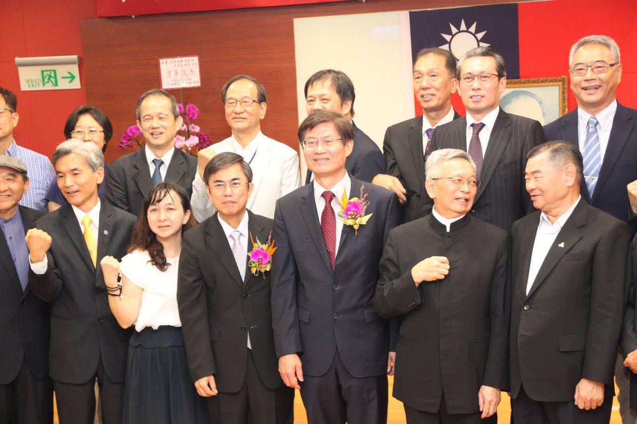 科技部中部科學工業園區管理局上午舉行新任局長佈達。記者黃寅/攝影