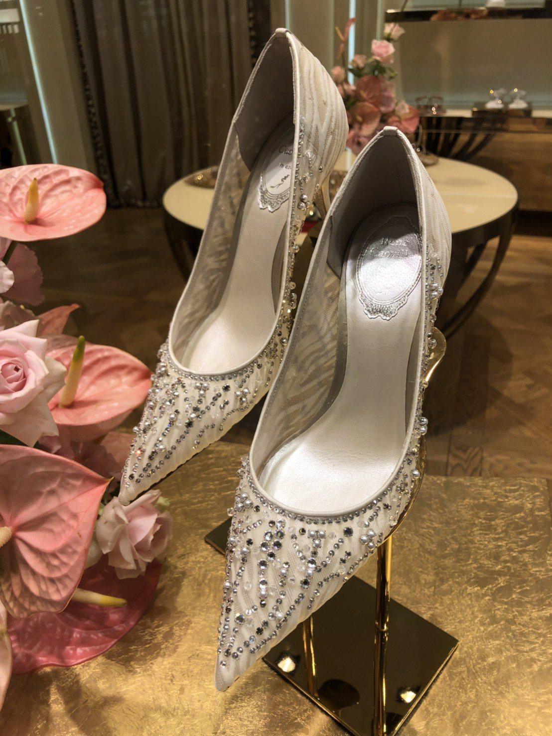 Rene Caovilla送給林志玲的婚鞋,售價45,000元。記者楊詩涵/攝影