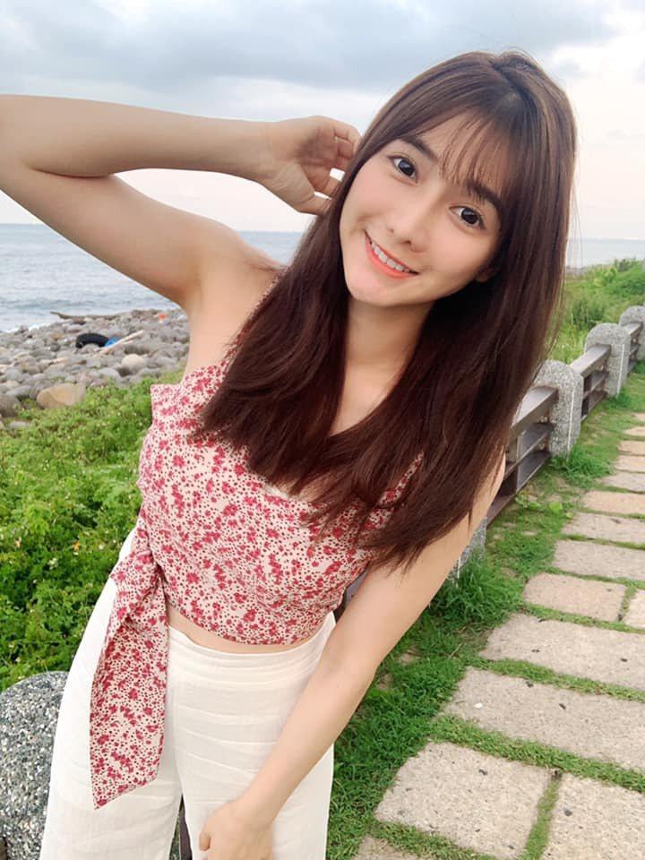 劉芃芃有「最美魚販」稱號。圖/摘自臉書