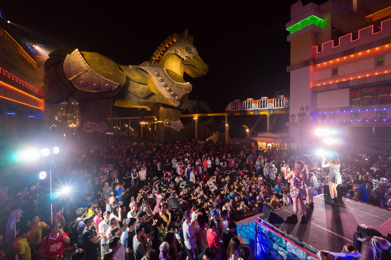 義大遊樂世界9/14將推出「夜電人生」派對。圖/義大遊樂世界提供