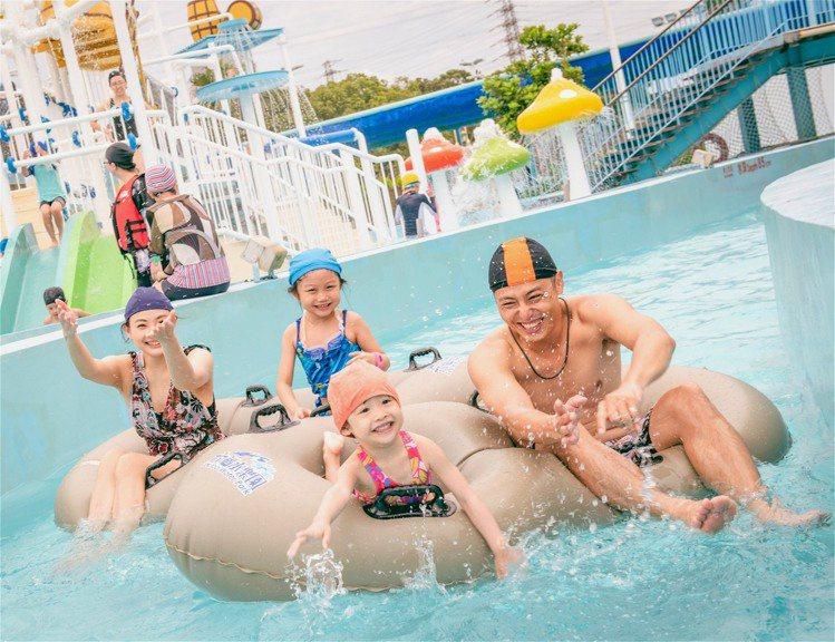 六福水樂園及中秋後閉園,遊客可把握最後玩水時機。圖/六福村提供