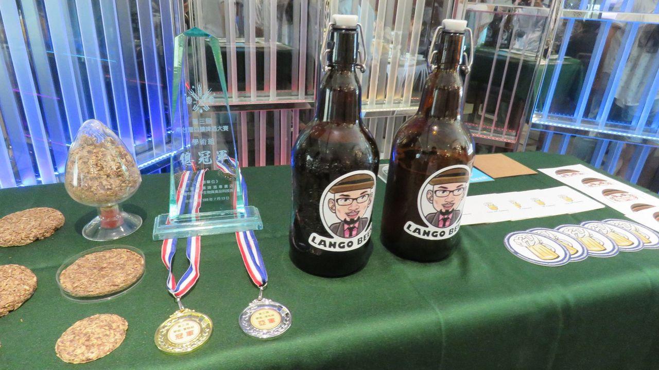 元智化材系教授藍祺偉開辦創客課程,帶領學生研發精釀啤酒Lango Craft B...