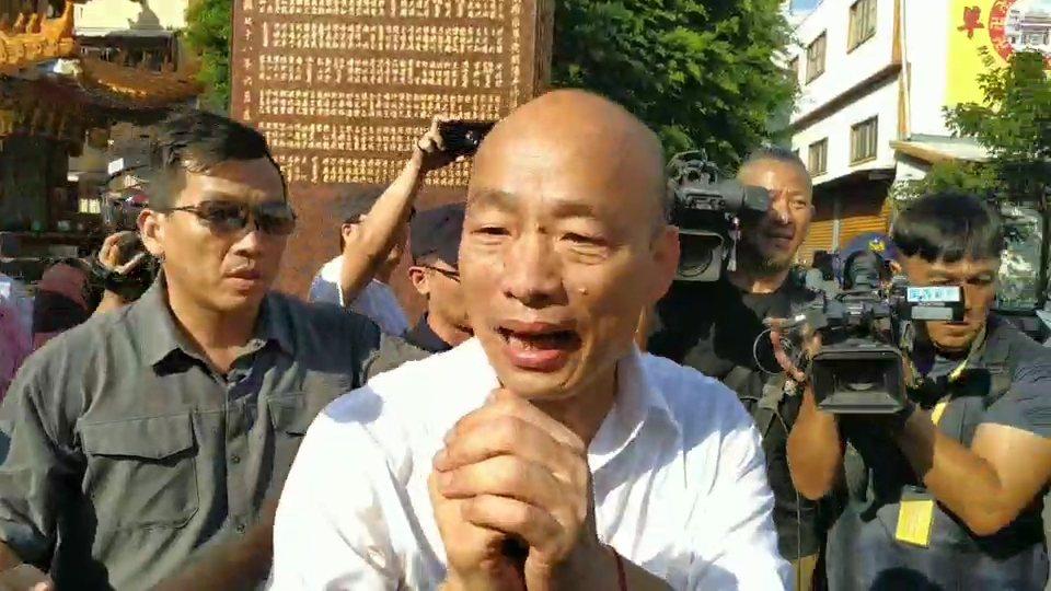 高雄市長韓國瑜請益之旅,今下午到前鎮朝陽寺參拜。記者邱奕能/攝影