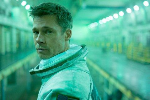 布萊德彼特(Brad Pitt)主演並監製的新片「星際救援」,於12、13日到日本宣傳,日前卻傳出因為颱風攪局,導致他取消赴日行程,如今確定他將現身東京打破傳聞,讓當地粉絲都相當期待。布萊德彼特12...