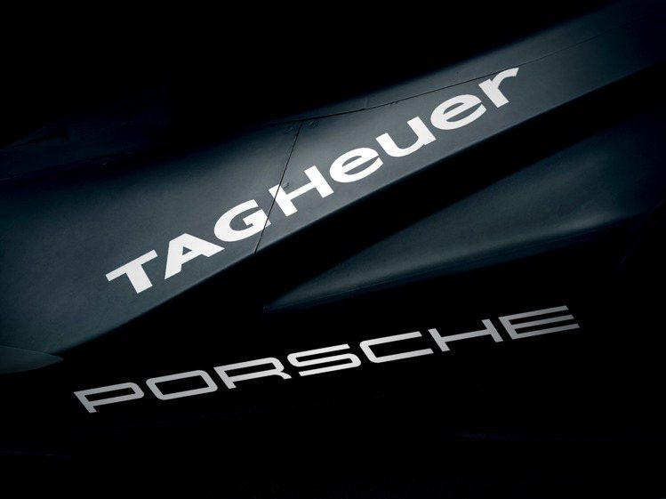 泰格豪雅在近日宣佈與保時捷合作,成為冠名計時夥伴,將一同參與際汽車聯合會電動方程...