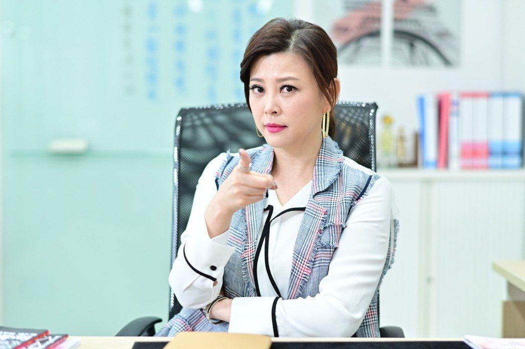 方馨加入「女力報到」劇組,詮釋霸氣總經理。圖/TVBS提供