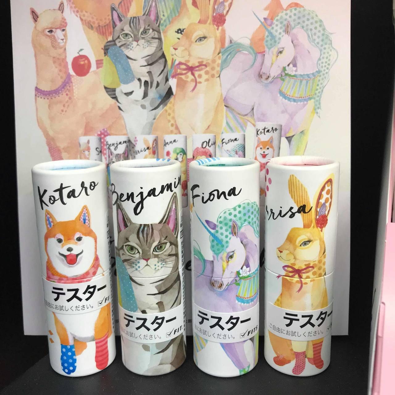 在Tomod's台北ATT 4 FUN門市香氛櫃位上,最搶眼的就是由日本名模Ro...