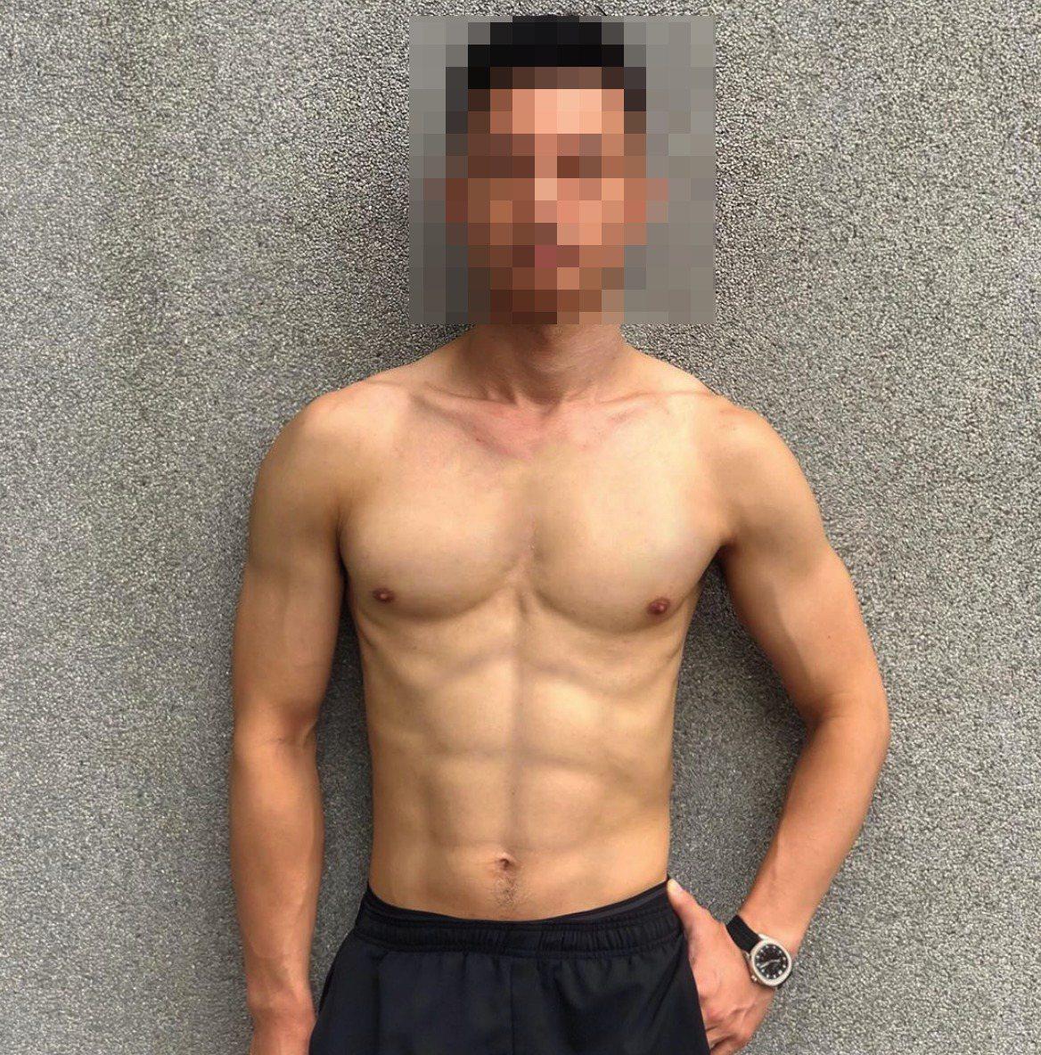 周外型俊俏,目前是經紀公司男模及臨時演員。圖/翻攝自周男Instagram