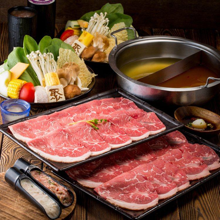 「聚」北海道昆布鍋推出優惠活動,加購4種肉盤只要15元。圖/王品提供